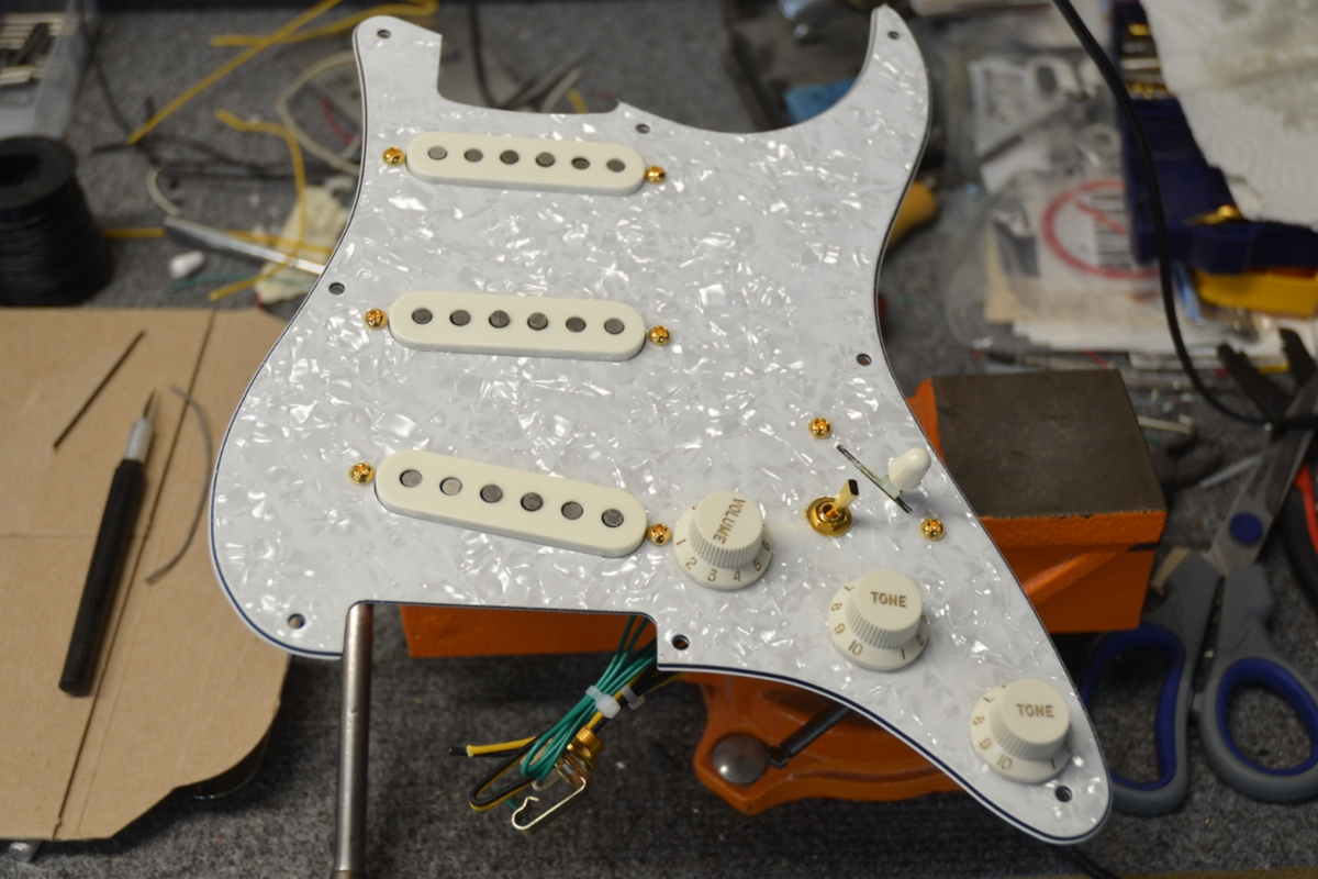 """Handcrafted """"David Gilmour"""" Style Loaded Stratocaster Pickguard ..."""